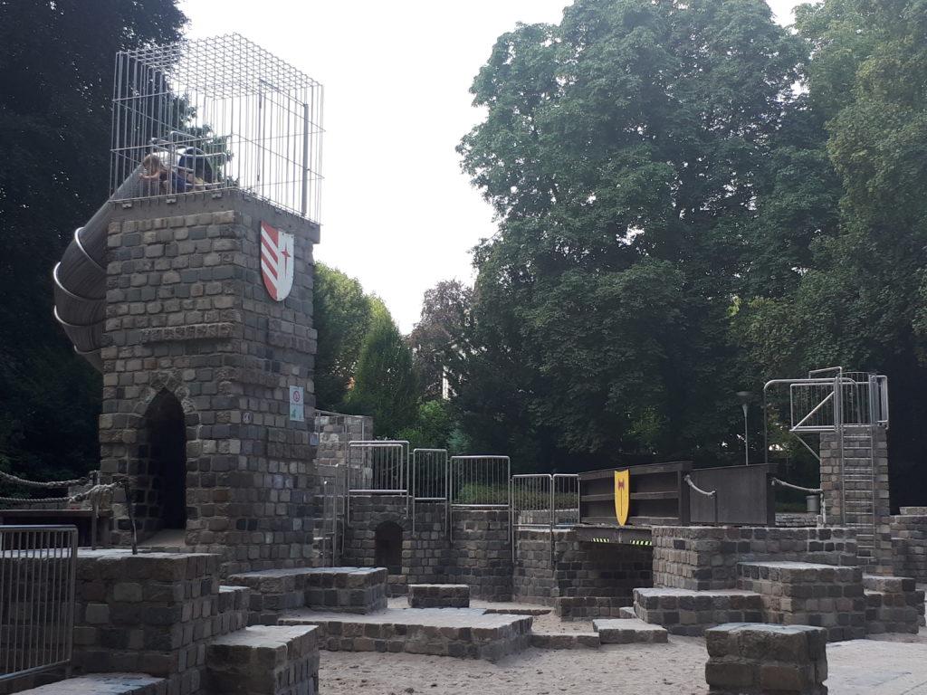 Luisenpark Mannheim Burgenspielplatz